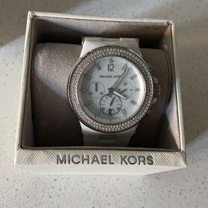 Like New. Michael Kors Ceramic White Watch